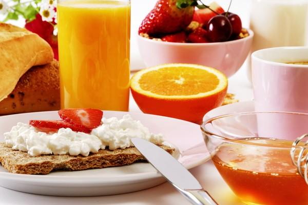 mic dejun1