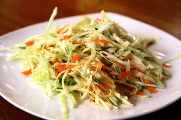 salata varza cu telina