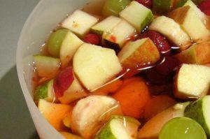 salata-de-fructe-si-nuci