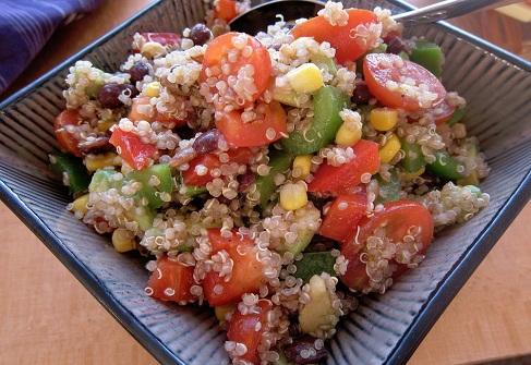 salata cu quinoa